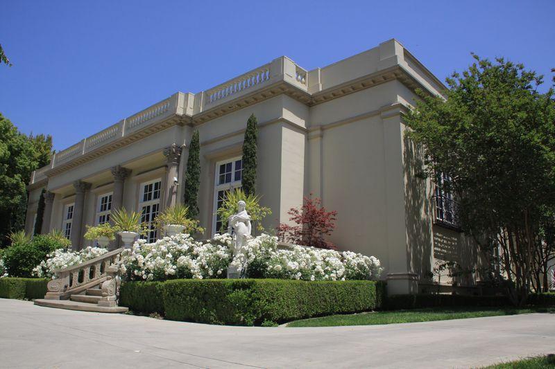 Stunning Private Estate Pasadena